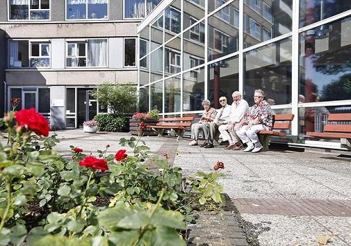 senioren bij woningen coornhert centrum